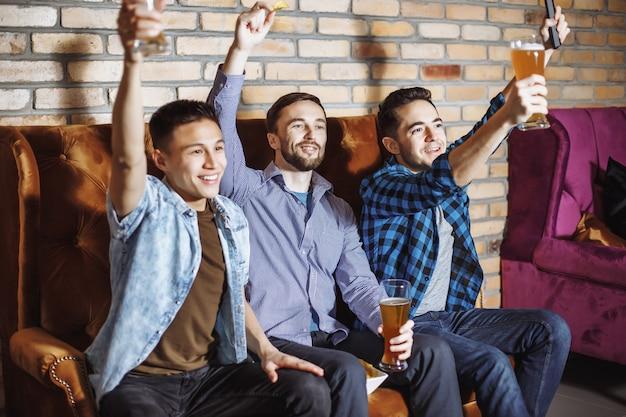 Freundschaft, sport und unterhaltung