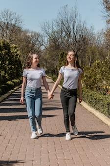 Freundschaftstag lebensstil der besten freundinnen