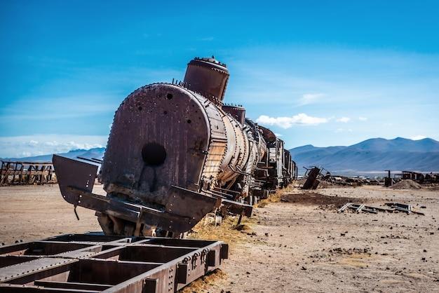 Friedhof verlassener züge, uyuni, bolivien