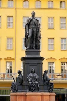 Friedrich august ii. sachsen statue dresden deutschland
