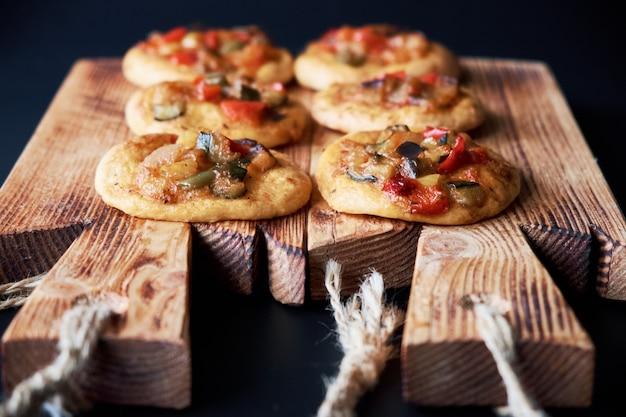 Frisch gebackene mini-pizza сocas