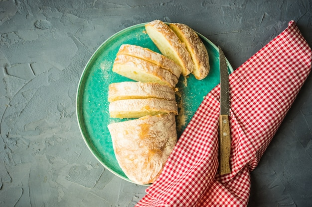 Frisch gebackenes ciabatta-brot