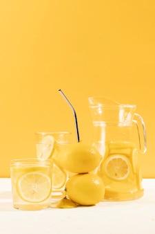 Frisch gemachte limonade der nahaufnahme