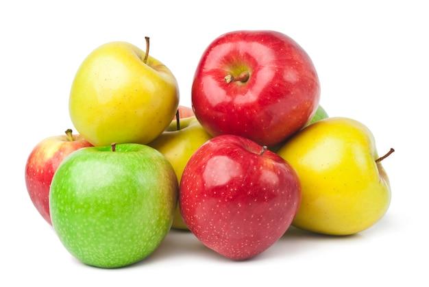 Frische äpfel auf weiß