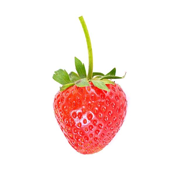 Frische erdbeeren, isoliert auf weiss