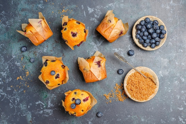 Frische hausgemachte leckere blaubeermuffins.