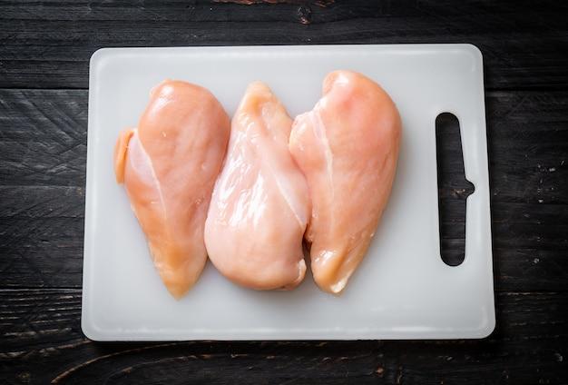 Frische hühnerbrust roh