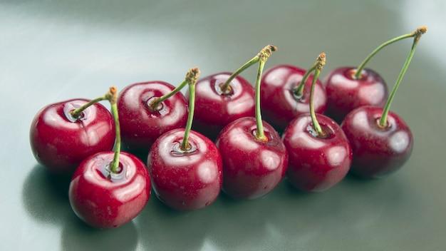 Frische kirschbeere. gesundes essen zum frühstück. früchte der vegetation. fruchtdessert