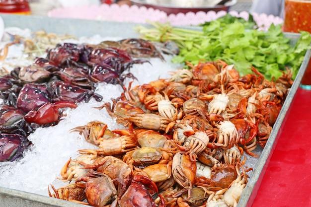 Frische krabbe am markt