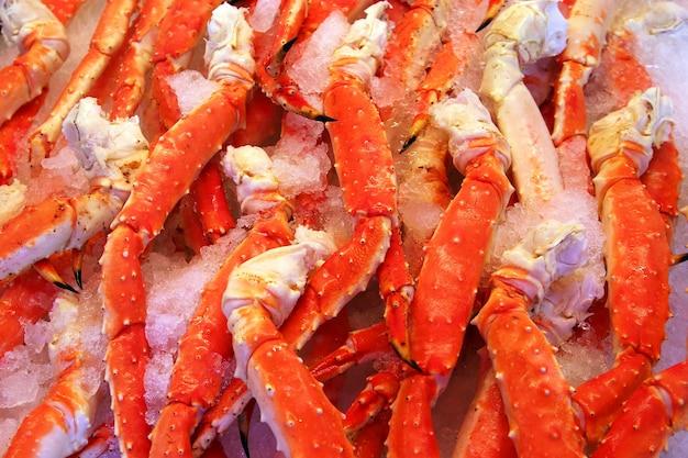 Frische krabbenkrallen des roten meeres