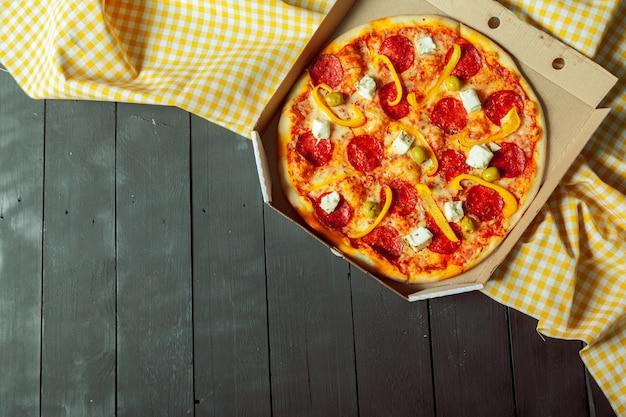 Frische leckere pizza