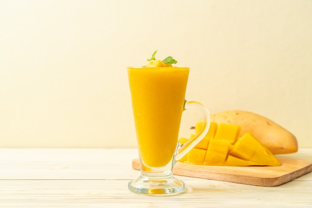 Frische mango-smoothies