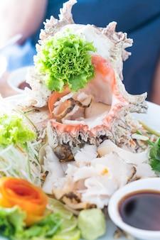 Frische muschel sashimi