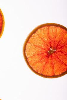 Frische orangenscheiben, flach liegen