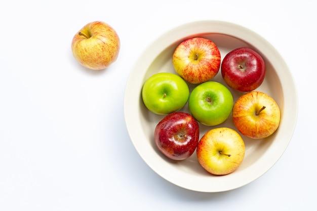 Frische saftige äpfel kopierraum