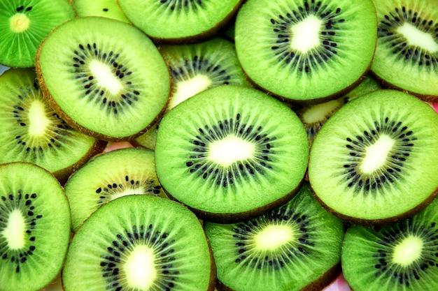 Frische scheiben kiwifruchthintergrund