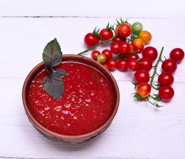 Frische suppe von tomaten gazpacho