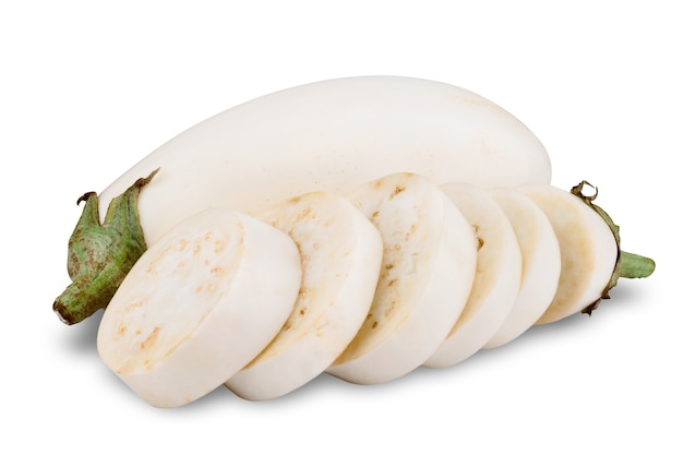 Frische weiße aubergine lokalisiert auf weiß