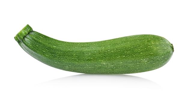 Frische zucchini isoliert auf weißem hintergrund