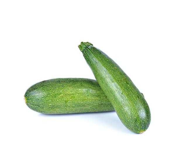 Frische zucchini isoliert