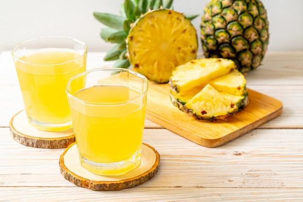 Frischer ananassaft