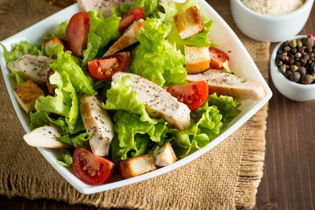 Frischer caesar salat