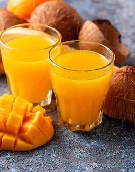 Frischer fruchtsaft der tropischen mischung