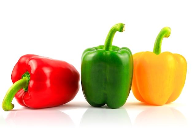 Frischer grüner, gelber, roter paprika.