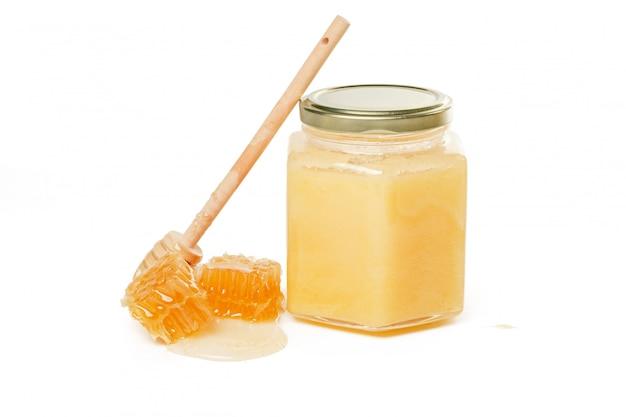 Frischer honig mit wabe