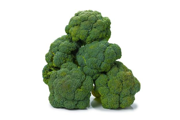 Frischer leckerer brokkoli isoliert