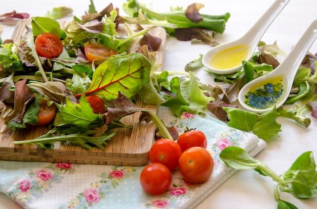 Frischer salat mit gemüse