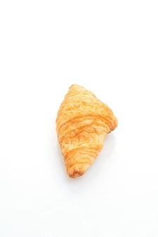 Frisches croissant lokalisiert auf weiß