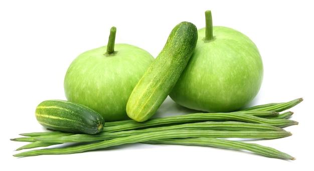 Frisches gemüse ã flaschenkürbis, moringa und gurke