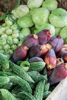 Frisches gemüse auf dem markt