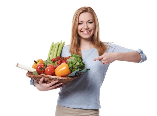 Frisches gemüse ist eine grundvoraussetzung für einen gesunden lebensstil
