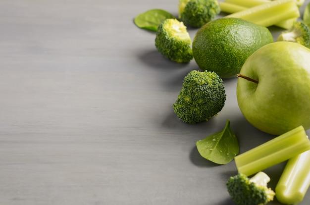 Frisches gesundes grünes gemüse