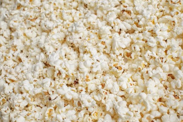 Frisches popcorn, essen