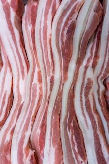 Frisches schweinefleisch in supermärkten