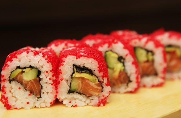 Frisches und leckeres sushi
