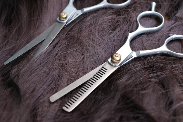 Friseurschere haare schneiden