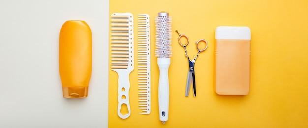 Friseurwerkzeuge, friseurausrüstung für professionelles friseurhandwerk im schönheitssalon, friseurservice