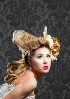 Frisur- und make-upmodefrau
