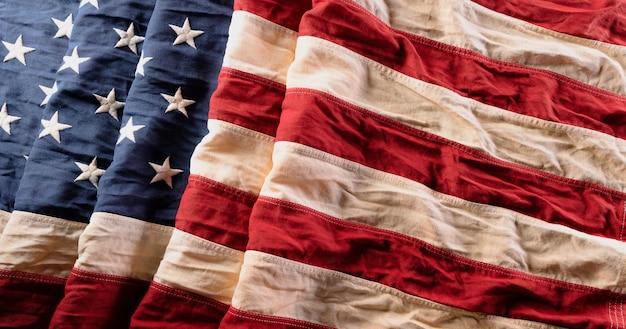 Fröhlichen unabhängigkeitstag. amerikanische flaggen