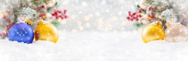 Frohe weihnachten, feiertagsgrußkartenhintergrund. selektiver fokus. natur.