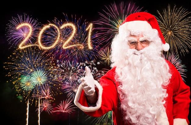 Frohe weihnachten und ein gutes neues jahr mit dem weihnachtsmann