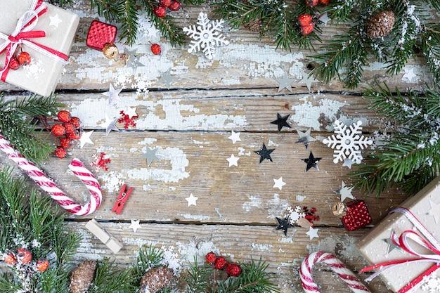 Frohe weihnachten und frohe feiertage, die hintergrund begrüßen