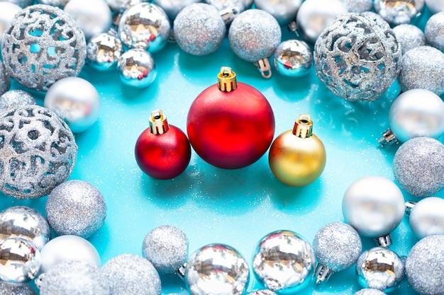 Frohe weihnachten und frohe feiertage, weihnachtsflitterdekoration