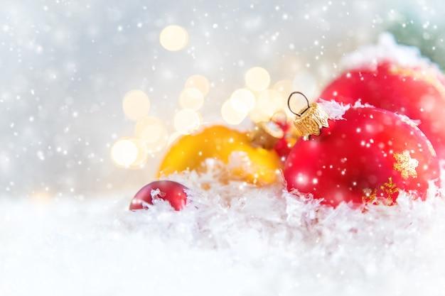 Frohe weihnachten und guten rutsch ins neue jahr, feiertagsgrußkartenhintergrund.
