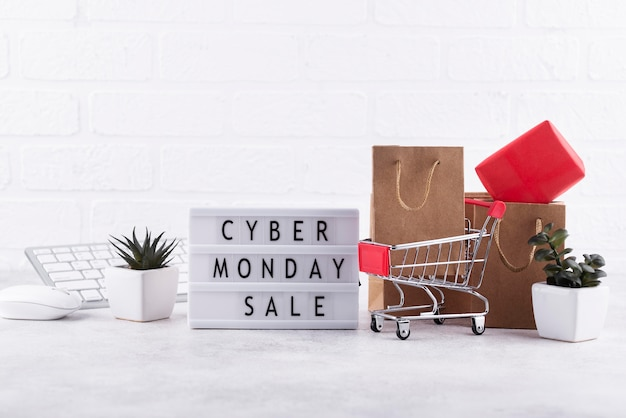Frontansicht cyber monday komposition