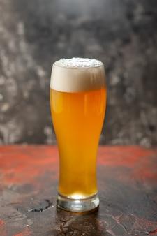 Frontansicht glas bär auf dem leichten snack wein foto getränk farbe alkohol